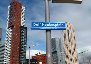 2015: Op Katendrecht is een plein naar Dolf Henkes genoemd.