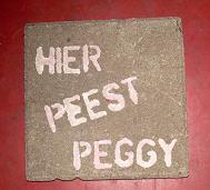 Acties van De Rode Draad: Hier Peest Peggy