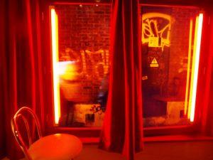 In het Red Light Secrets museum. Dit museum is gevestigd op de plek waar Magere Josje werkte